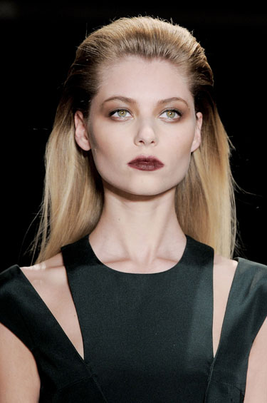 hbz-slicked-back-down-do-fw13-Cushnie-et-Ochs-clp-RF13-2168-lgn